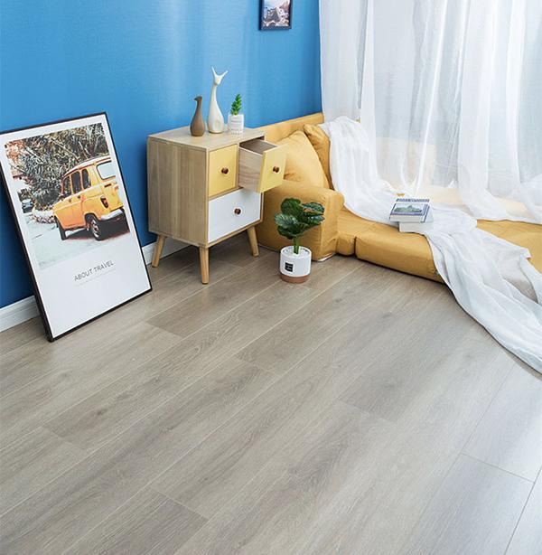 森趣地板1517新三层无醛松木芯